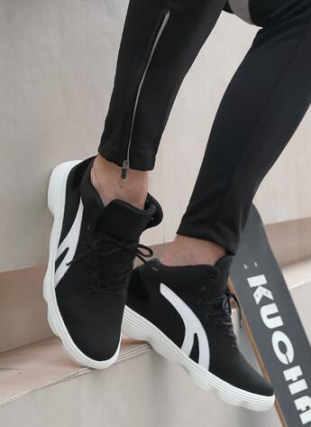 รองเท้าผ้าใบบุรุษเพิ่มความสูงสีดำรองเท้าผ้าใบตาข่ายที่ทำให้ผู้ชายสูง 6 ซม