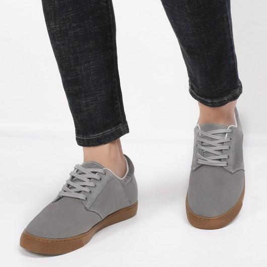 ลำลองเพิ่มความสูงรองเท้าหนังกลับส้นซ่อนรองเท้าสีเทาผู้ชายรองเท้าสูง 6 ซม