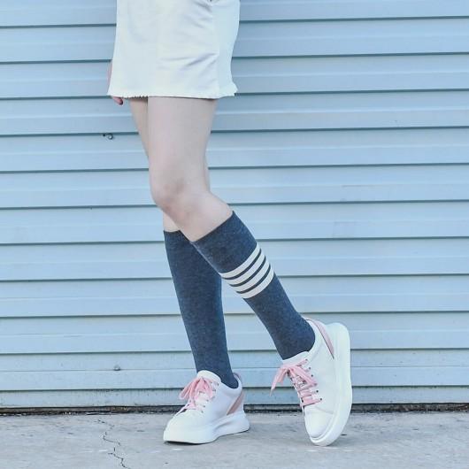 CHAMARIPA รองเท้าผ้าใบลิฟท์ผู้หญิงส้นซ่อนรองเท้าลำลองผู้หญิงหนังวัวสีขาว 6CM