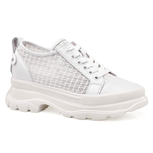Chamaripa รองเท้าที่เพิ่มความสูงสำหรับผู้หญิงสีขาวตาข่ายรองเท้าลิฟท์สบาย ๆ สำหรับผู้หญิงรองเท้าฤดูร้อนระบายอากาศ 6 เซนติเมตร /2.22 นิ้ว