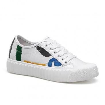 CHAMARIPA รองเท้าเพิ่มความสูงสำหรับผู้หญิงลิฟท์ผู้หญิงรองเท้าลำลองหนังวัวสีขาว 5CM