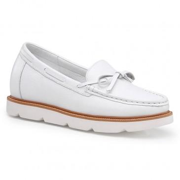 Chamaripa รองเท้าเพิ่มความสูงสำหรับผู้หญิงหนังสีขาวรองเท้าคนขี้เกียจลิฟท์รองเท้าส้นซ่อน 7CM / 2.76 นิ้ว