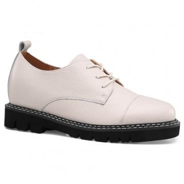 CHAMARIPA ลิฟท์รองเท้าผู้หญิงส้นซ่อนรองเท้าลำลองผู้หญิงหนังวัวสีเบจ 7CM