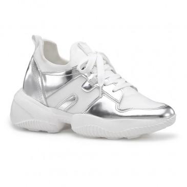 Chamaripa ลิฟท์ของผู้หญิงรองเท้าผ้าใบหนังสีเงินเพิ่มความสูงรองเท้าผ้าใบรองเท้าลำลอง 9CM / 3.54 นิ้ว