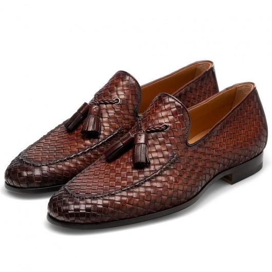 CHAMARIPA heren schoenen met verborgen hak Bruine handgeweven leren loafers met kwastjes 7 CM